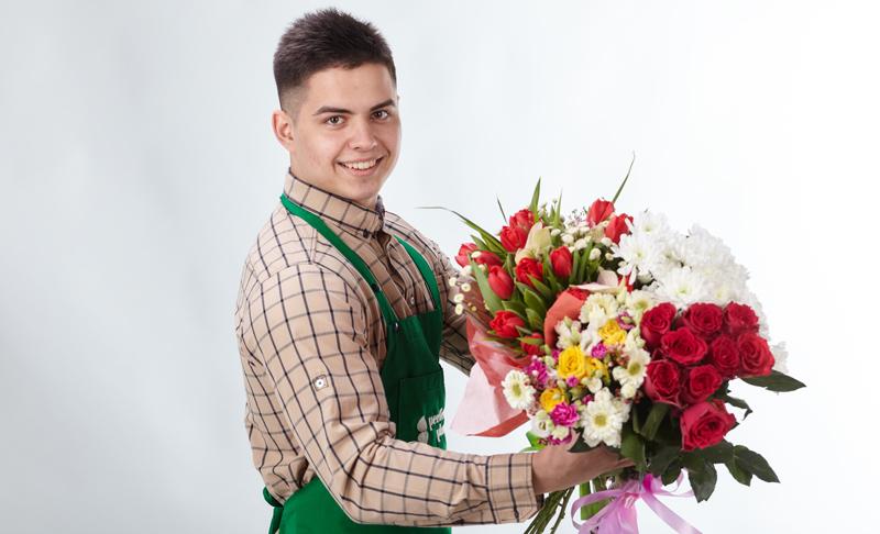 Водитель по доставке цветов на праздничные дни, конфет